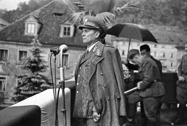 Josip Broz Tito med govorom na Kongresnem trgu, 26. maj 1945